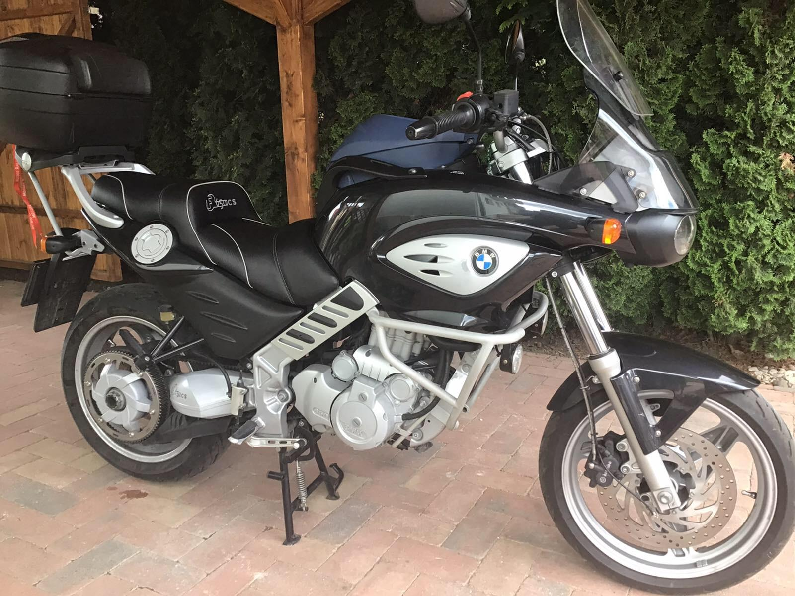 Egyenarcúsított egyéniség: BMW F800R teszt - Onroad.hu